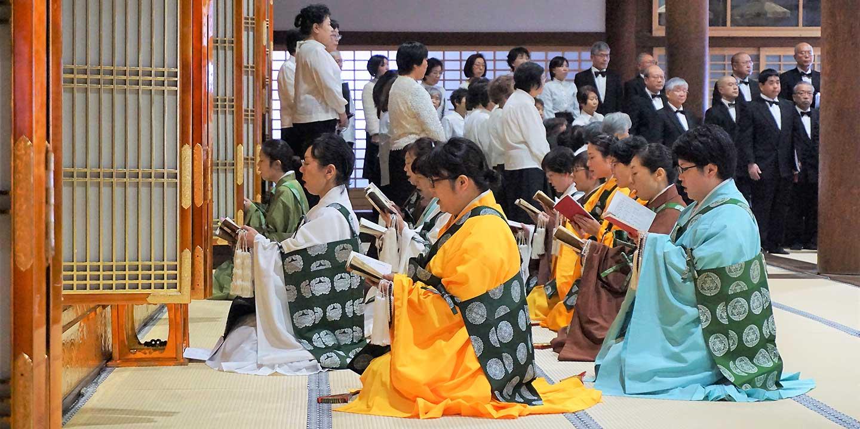 女性僧侶による助音方